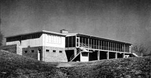 Ottumwa Country Club Exterior 01